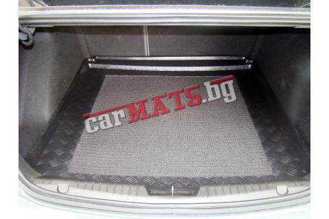 Стелка за багажник Aristar за BMW 1 Серия E87 (2004-2011) - с дясно отделение